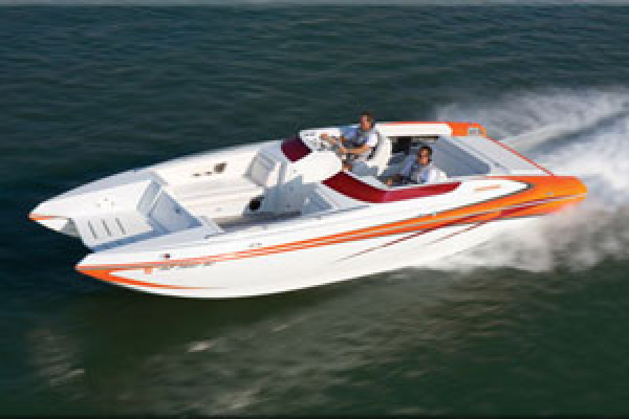 "Howard 28 Sportdeck wins Powerboat Magazine ""Outstanding Deckboat Perforance Award."""