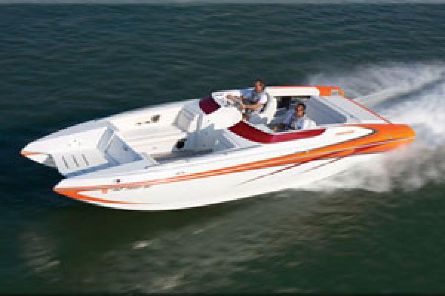 "Howard 28 Sportdeck wins Powerboat Magazine ""Outstanding Deckboat Perforance Award."""